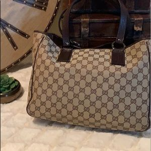 GORGEOUS BROWN GUCCI TOTE!!  EXCELLENT CONDITION !